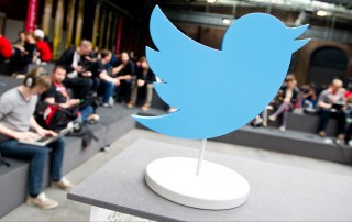 Google to Display Tweets on Desktop Google SERPs